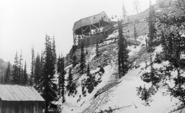 View of Curve Station from Weaver, c1893 (photo courtesy Creede Historical Society 1743-MW-10c4)