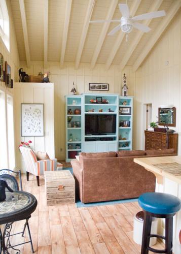 03_creede-cabin-living-room_1