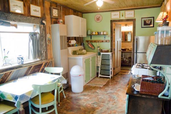 10_rental-cabin-kitchen_3