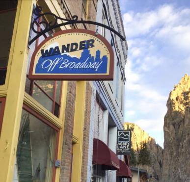 wander-off-broadway